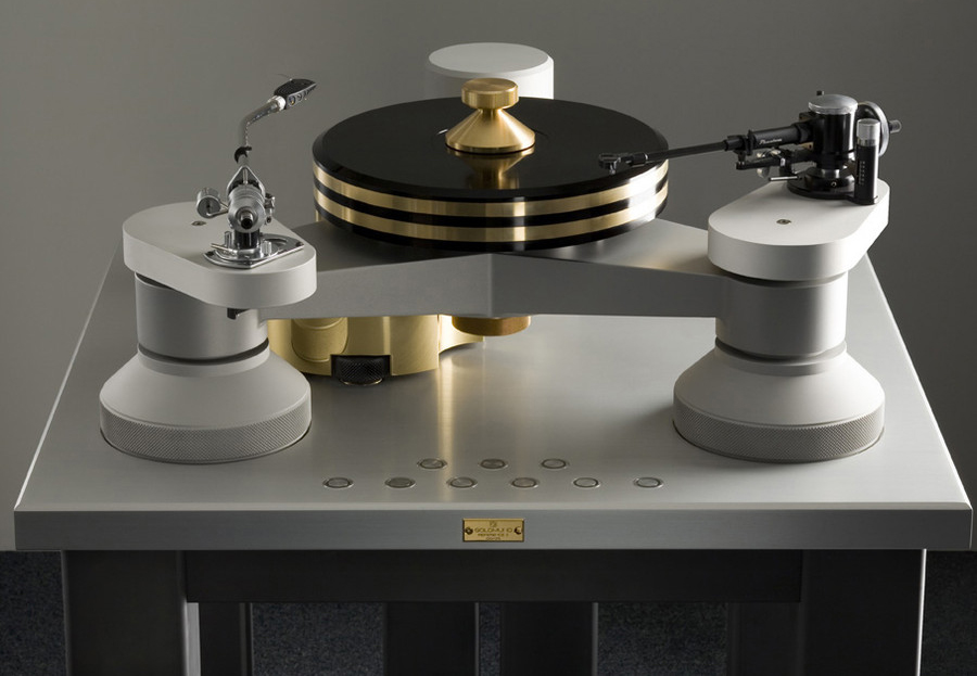 Goldmund-Reference-II-turntable-nostrangemedia